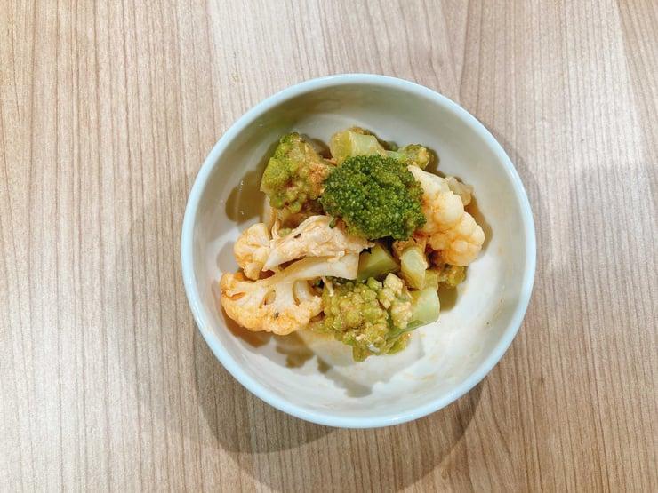 花野菜とチキンのコブサラダ-1
