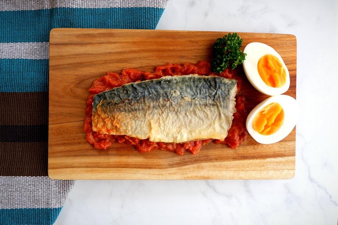 サバのムニエルトマトソース